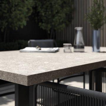 tavolo-esterno-effetto-pietra